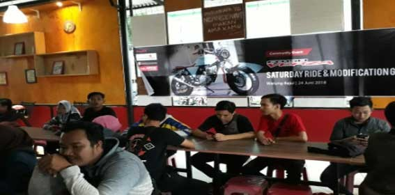 Acara komunitas Saturday Ride & Modification CB150 Verza yang digelar PT Sinar Sentosa